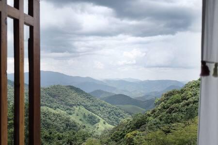Charmoso Chalé nas Montanhas SFX (SP)