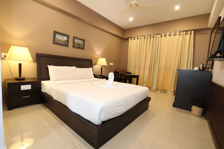 Premier AC Room @ Margao City