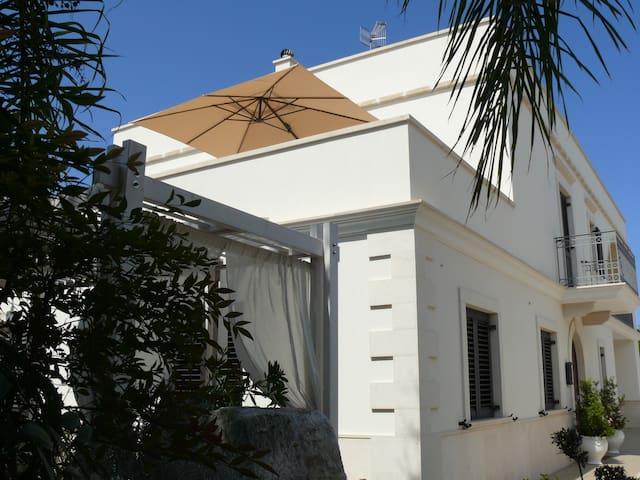 Casa Gentile - Villa with Garden 500m from the Sea