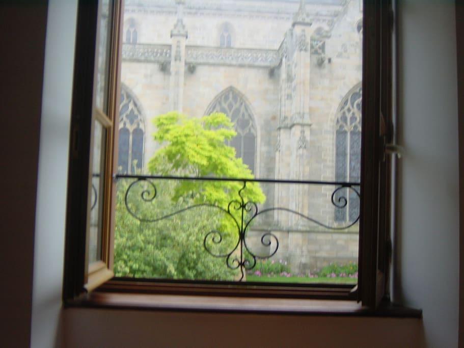 Vue de la fenêtre, l'Eglise St Malo