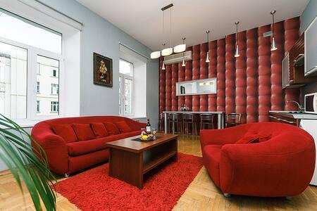 Jacuzzi and sauna, Three Bedroom  - 基辅 - 公寓