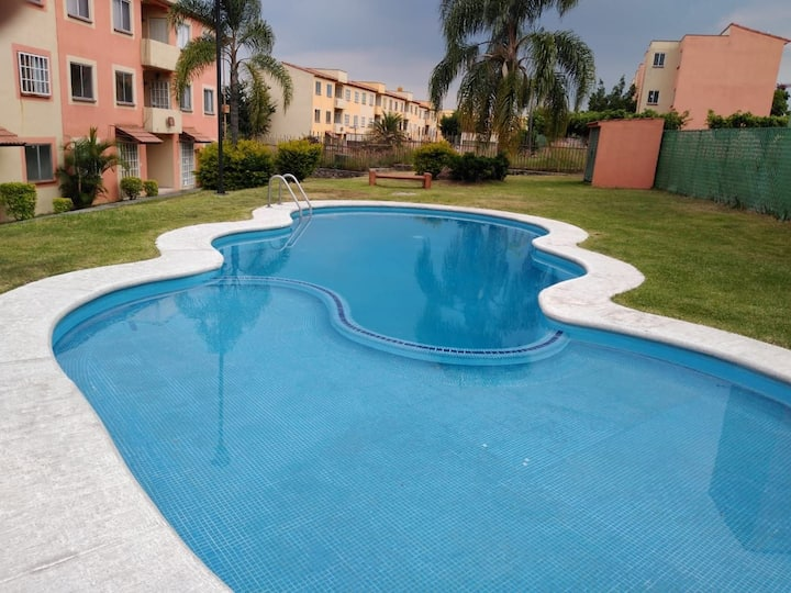 Alojamiento Amueblado con piscina en Temixco