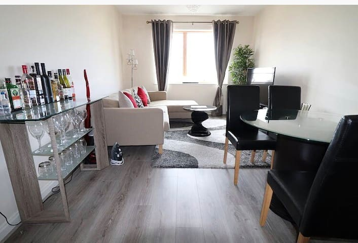 Beautiful apartment in heart of Cardiff Bay
