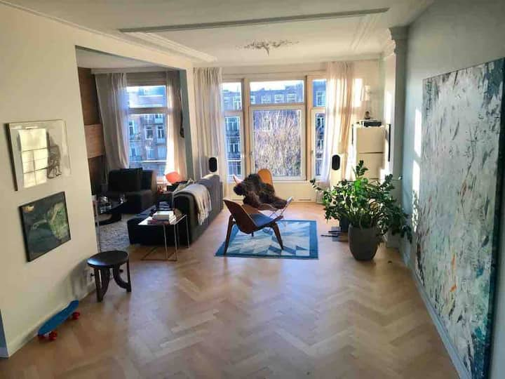 2 floor apt with rooftop on canal