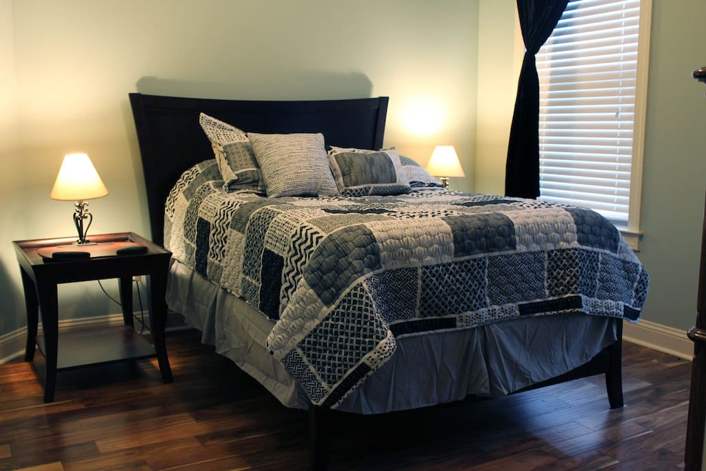 private sleeping room in charming greenville home houses for rent in greenville south. Black Bedroom Furniture Sets. Home Design Ideas