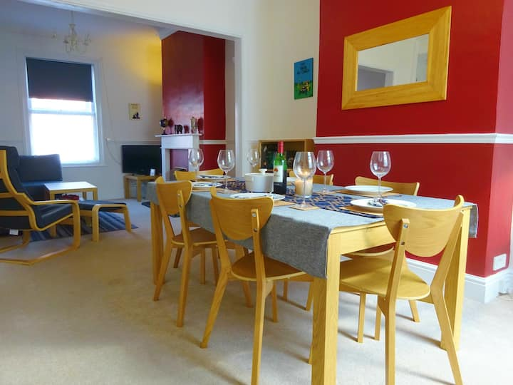 Seashells - Family & Dog Friendly, Central To Town