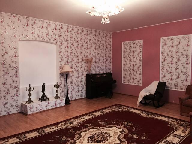 Комната в старинной усадьбе