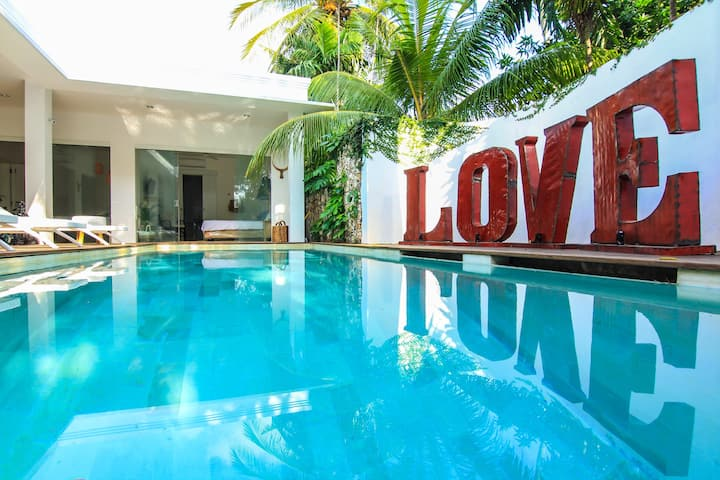 Villa Ivy  5 Bed Luxe Pool Villa Heart of Seminyak