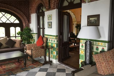 Raghushree, a 19th century British-era home, Apt 1 - Mussoorie