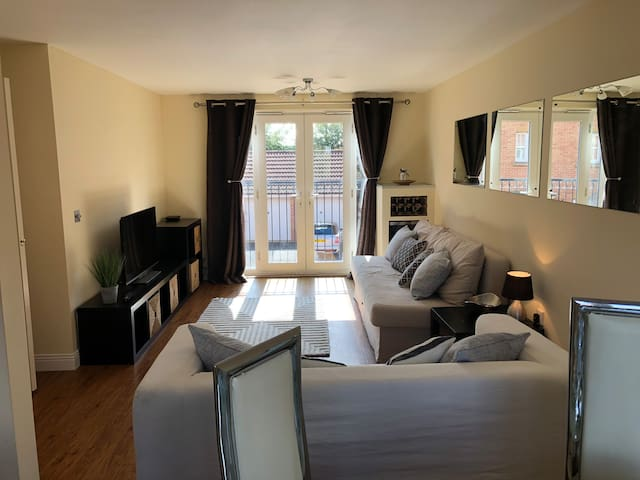 Entire apartment, close to NEC, BHX & JLR