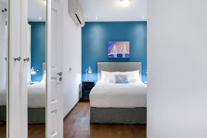 2nd Master bedroom with en suite bathroom