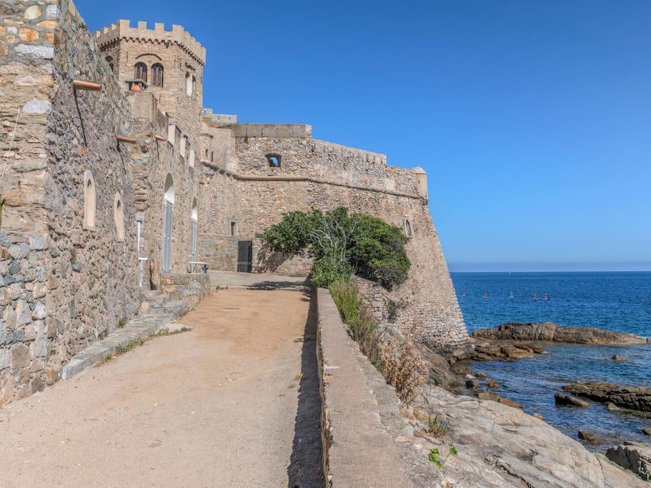 Vue du chateau d'Algajola 16ème siècle