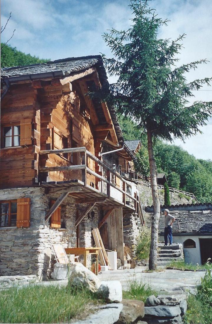 Schmuckes Ferienhaus im Calancatal