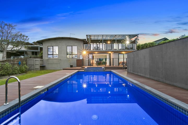 Luxury Mount Martha Hideaway with Pool and Spa