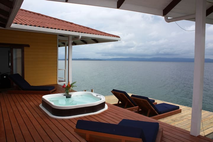 Stunning Over the Water Home - Bocas del Toro - Ev