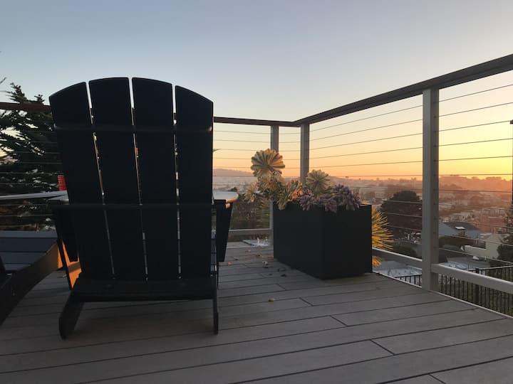 Quiet Bedroom & Bath / 180 Deck View