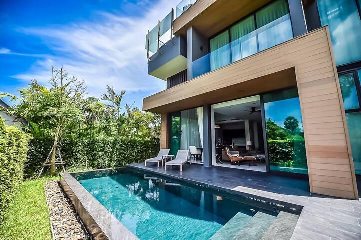 Glam Habitat 4 BR Pool Villa