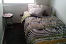 Acogedora habitación, cama de 1 plaza, WiFi , TV