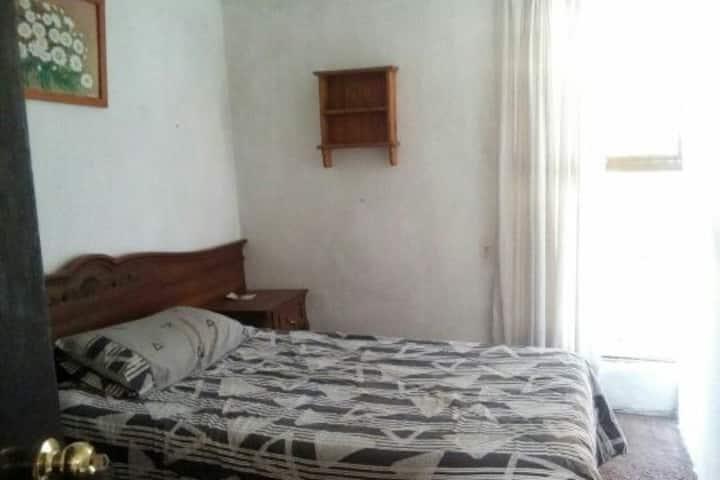 Rento cuarto amueblado en Echegaray