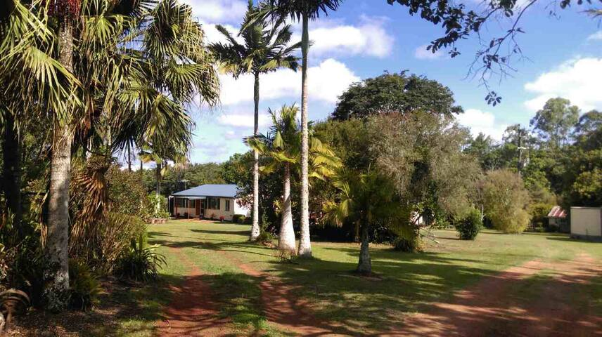 Studio Apt & Breakfast - Relaxing farmstay charm - Yungaburra - Bed & Breakfast