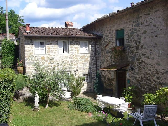 Casa Flavia - perfect house for your holiday - Longoio-mobbiano - Leilighet