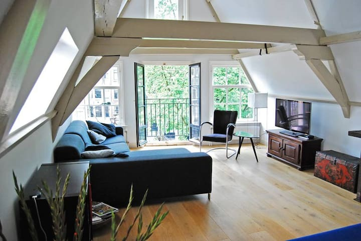 Historic Canal Apartment - Amsterdam