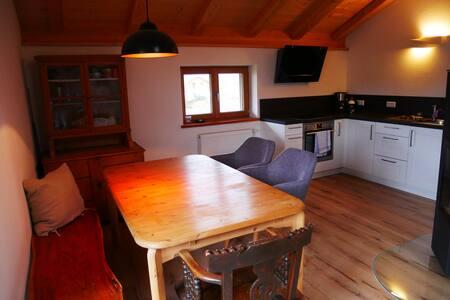 Gemütliche zwei Zimmer Wohnung mit Balkon