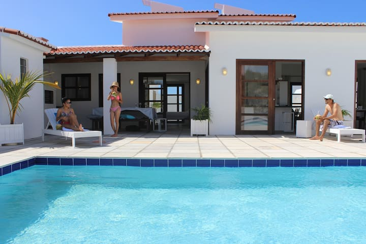 Mezaninos - Beach Villa with pool in Resort 8+ - Touros - Casa