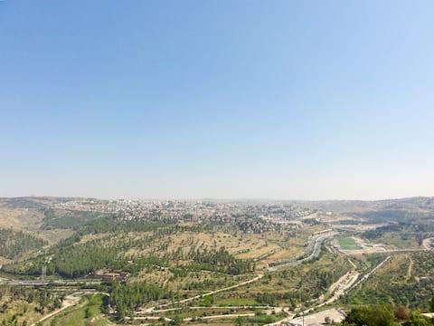 Wspaniały Penthouse + Widoki z balkonem, Jerozolima!