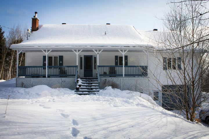 Spacious cottage in Eastern Townships - Mansonville - Casa