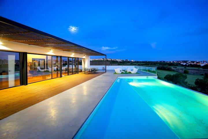 Stunning new villa in Valle del Guadiana link golf