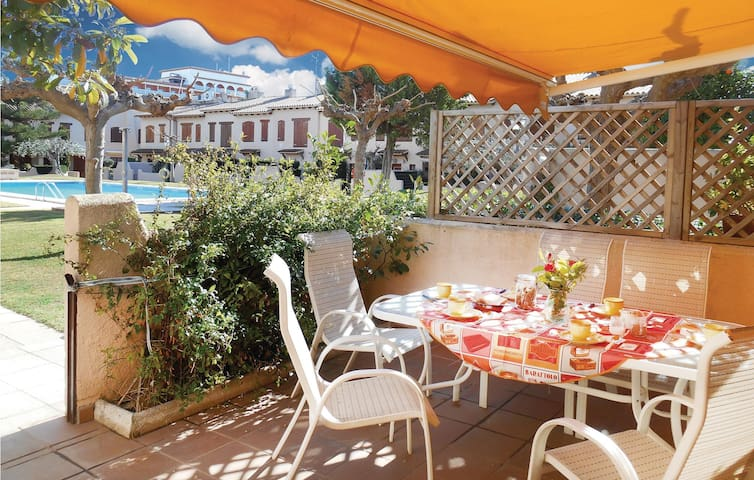 Semi-Detached with 3 bedrooms on 91 m² in Barri Maritim