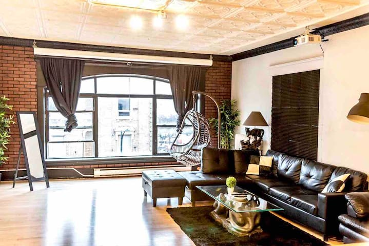 *Downtown Core London Loft*