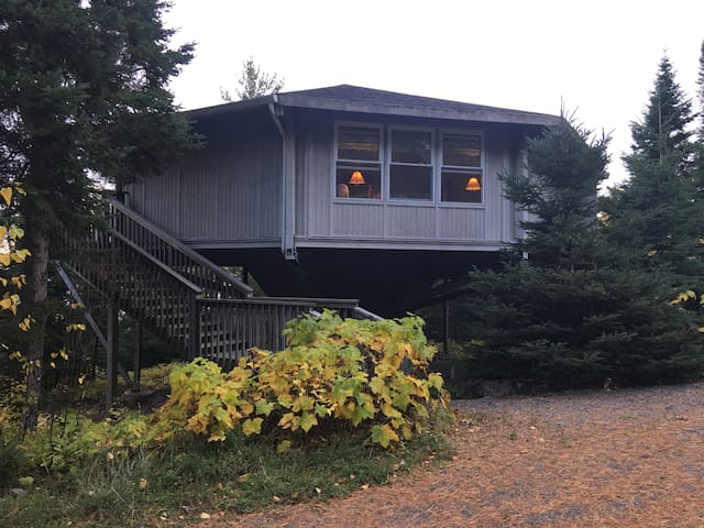 The Treehouse, beautiful Lake Superior views