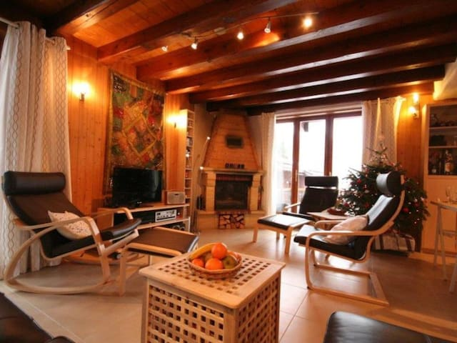 CHAMPAGNY - 12 pers, 94 m2, 7/6