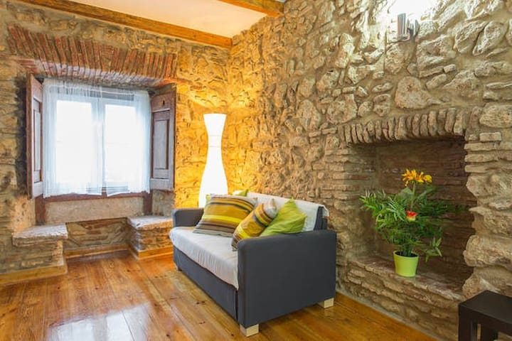 Sublime Apartment Cosy Medieval Style (Alfama)