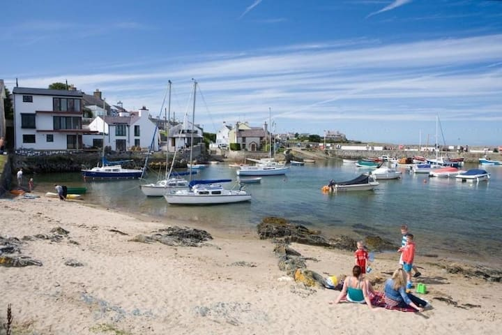 The Perfect Anglesey Getaway Cemaes Bay