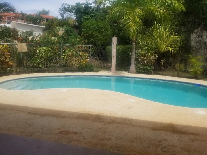 Secured Private 3Bdrm/3Bath Villa w/pool & jacuzzi