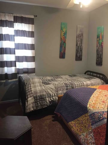 Second bedroom with both a Single and Full bed