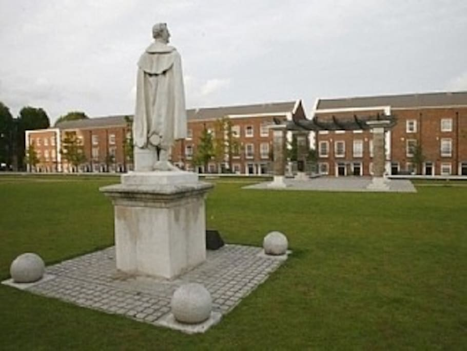 The Town House, first to the right of the gap, looks across the park to the Wellington statue.