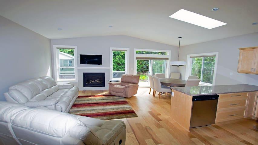 Amelia House- beautiful one level - Sidney - House