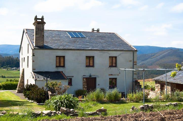 Casa de campo de 4 habitaciones en Foz (Lugo)