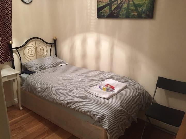 Comfortable Single Room In London