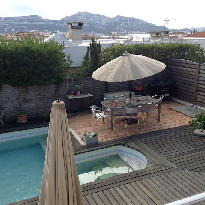 Villa avec piscine maisons louer marseille france for Location maison avec piscine marseille