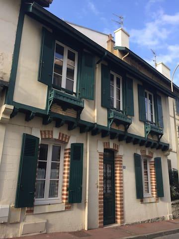 Maison basque en mode tout à pied ! - Biarritz - Casa