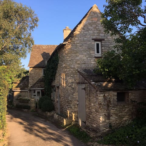 Idyllic cottage in the Cotswolds