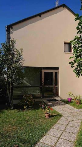 Egletons, charmant T2 avec balcon au RDC