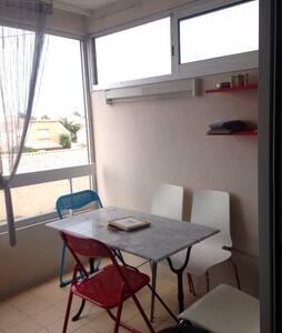 Studio tout confort 1ère ligne mer - Apartment