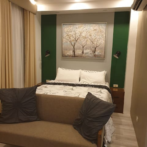 Hotel like Townhouse w/Netflix by ozLiving