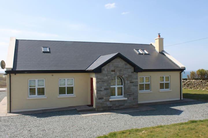 CARRAIG BÁN, Louisburgh, Mayo - Louisburgh - House